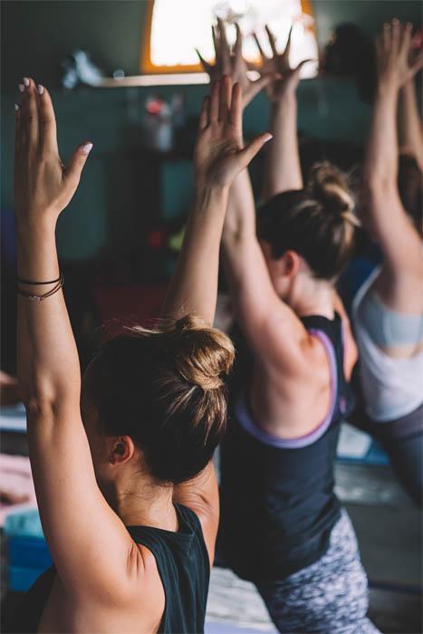 power-yoga-mindfulness-center-yoga reis yogaretreat