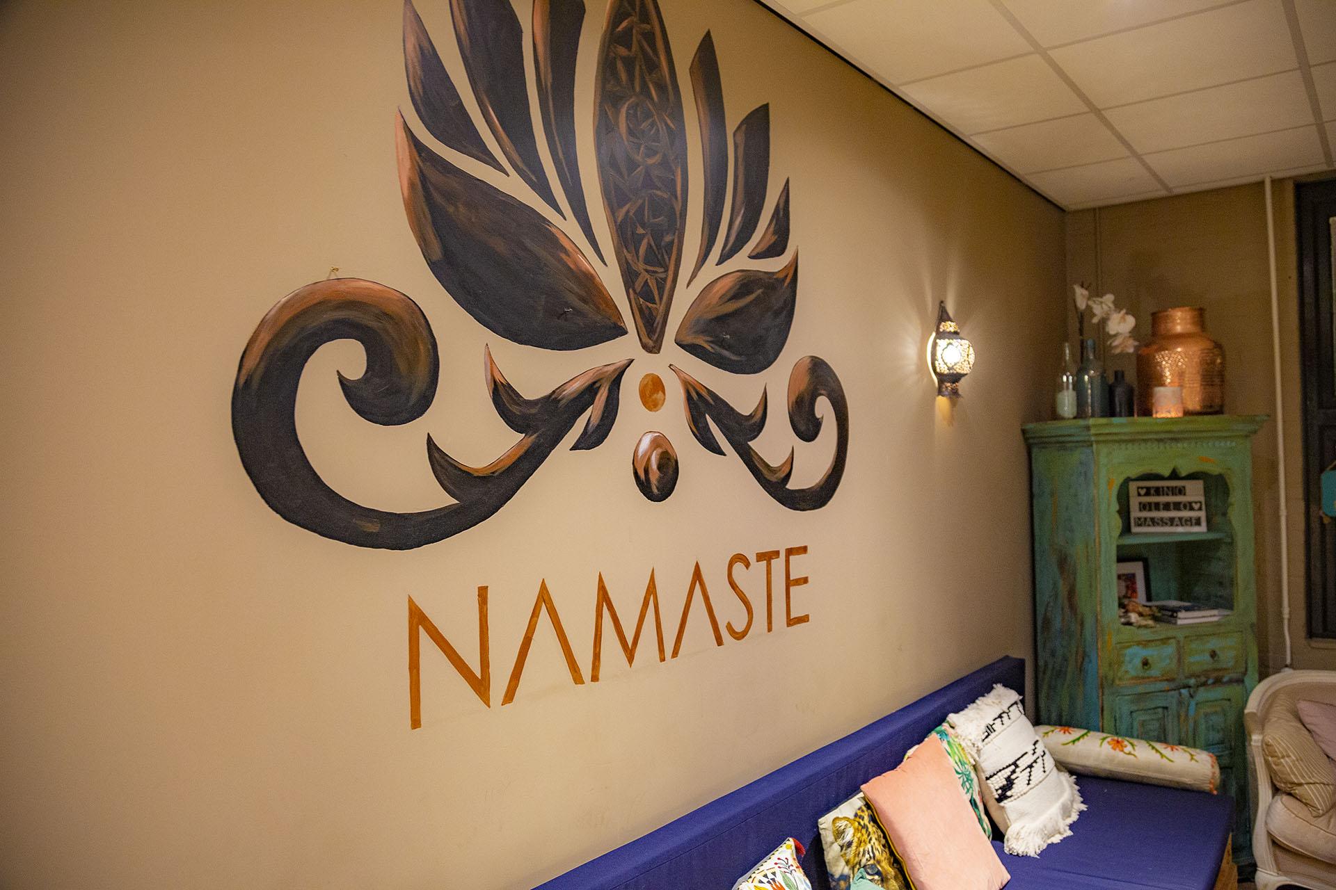 power-yoga-mindfulness-center-lounge