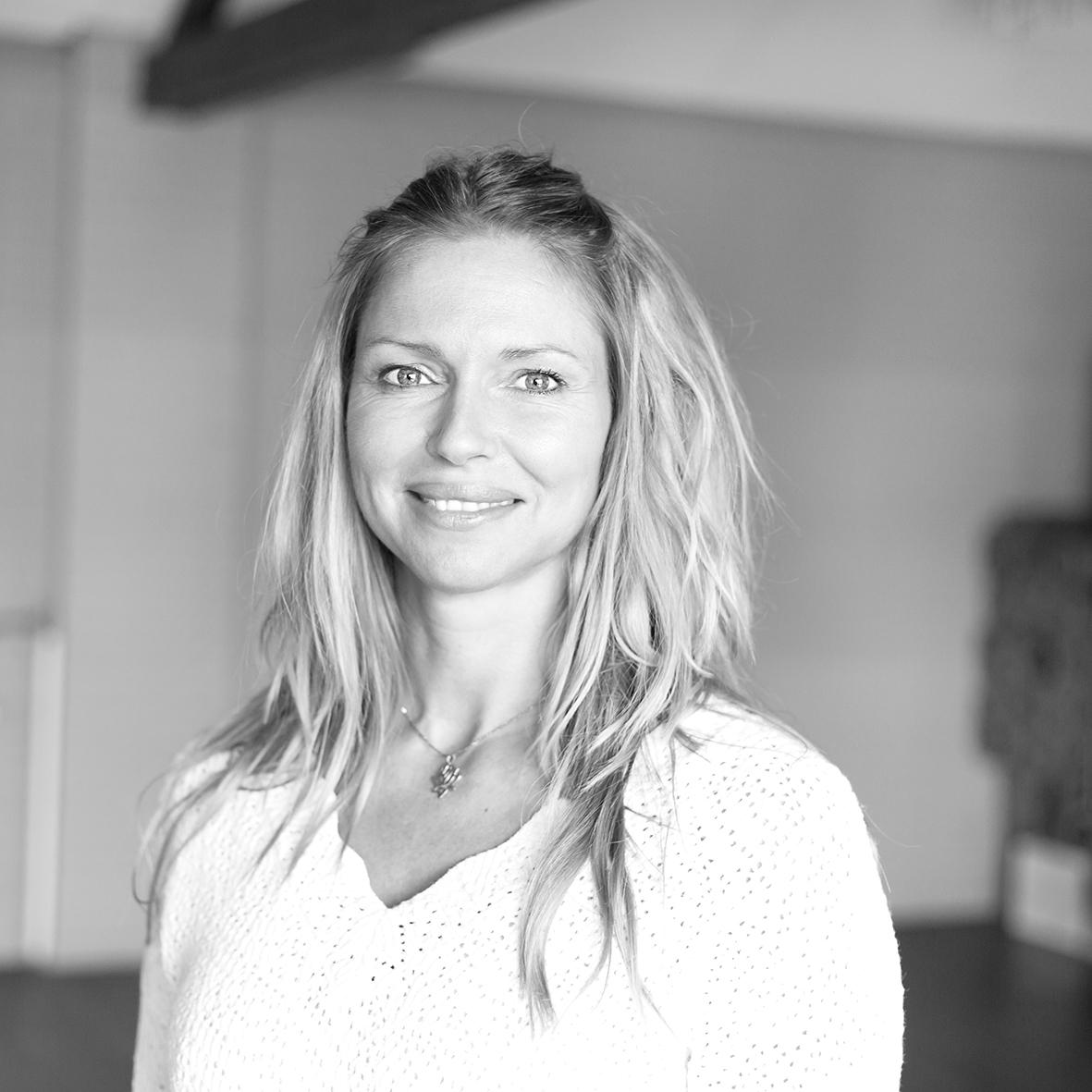 Leonie van der Linden yoga pilates LXR piloxing docent